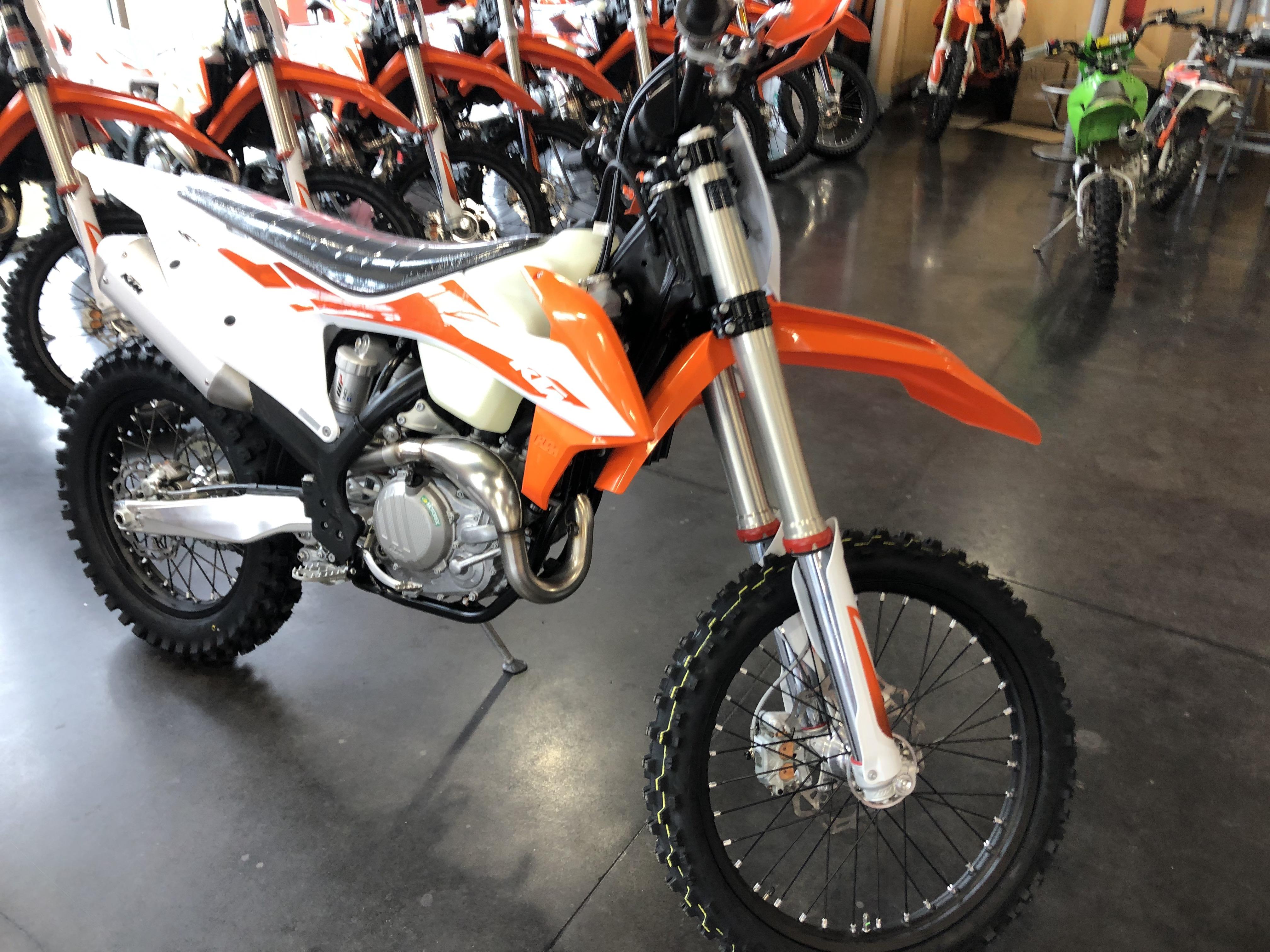 KTM EXC 450 F (2020), prezzo e scheda tecnica - Moto.it